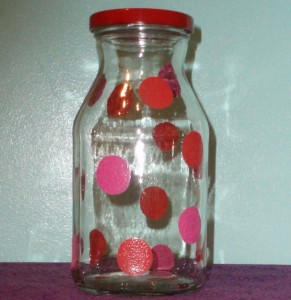 spouncer painted pink dots on glass jar