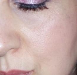 lynda makara wearing mineral makeup