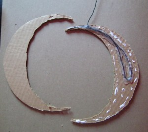 reinforcing cardboard with wire