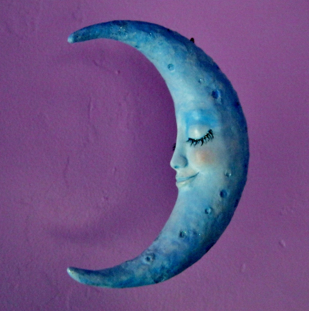lady moon sculpture by Lynda Makara