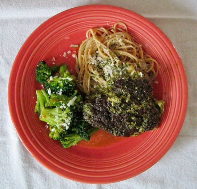 pesto chicken, spaghetti and broccoli