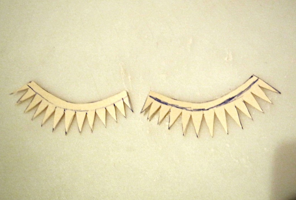 Cardboard eyelashes for moon