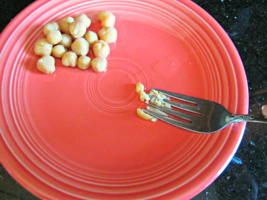 mash chickpea with fork