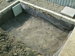 Installing gopher fence underground